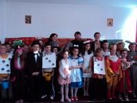 """""""Alice în Ţara minunilor"""", pusă în scenă de elevii clasei a III-a  de la Liceul Ortodox """"Episcop Roman Ciorogariu"""" din Oradea"""