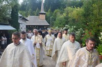 Binecuvântare pentru pelerini la Mănăstirea Izbuc