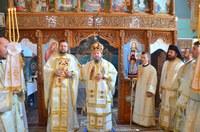 Chiriarhul Oradiei a instalat pe noul preot paroh din Gepiu