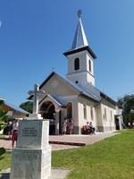 Chiriarhul Oradiei a resfințit biserica Sfinții Apostoli Petru și Pavel din Ștei