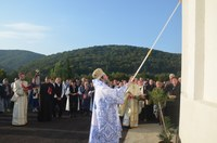 Chiriarhul Oradiei a târnosit  biserica Nașterea Maicii Domnului de la Mănăstirea Voivozi