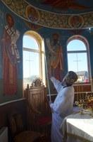 Chiriarhul Oradiei a târnosit biserica nouă din Dușești