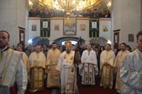 Chiriarhul Oradiei a târnosit noua biserică din Sânlazăr