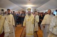 Chiriarhul Oradiei a vizitat parohia Beiuş IV la praznicul Înălțării Sfintei Cruci