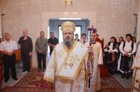 Chiriarhul Oradiei a vizitat Schitul Sfinții Împărați Constantin și mama sa Elena de la Coada Lacului