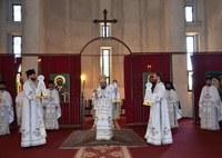 Chiriarhul Oradiei la noua Catedrală Episcopală din Oradea în Duminica a doua după Paşti
