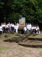 Copii şi tineri din parohia Husasău de Criş în tabără la Mănăstirea Izbuc
