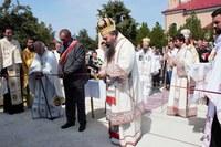 Două monumente sfințite în Parohia Săbolciu de un sobor de ierarhi