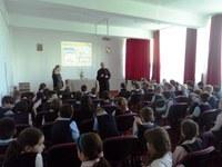 """Elevii Liceului Ortodox """"Episcop Roman Ciorogariu"""" din Oradea  beneficiari ai campaniei """"Europa, casa noastră"""""""