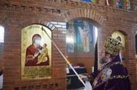 Episcopul Oradiei a sfințit pictura bisericii enoriei Cheț