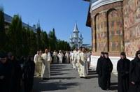 """Înălţarea Sfintei Cruci prăznuită la Mănăstirea """"Sfânta Cruce"""" din Oradea"""