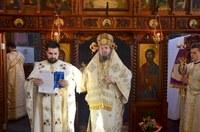 Liturghie arhierească în Parohia Cărăsău