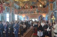 Liturghie arhierească în parohia Topa de Sus