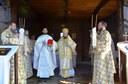 Liturghie arhierească şi sfinţire de troiţă în parohia Brăteşti, Protopopiatul Tinca