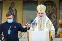 """Patriarhul Daniel: Un nou """"izvor de bucurie şi binecuvântare"""" a fost sfințit la Mănăstirea Izbuc"""