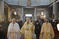 Prima Liturghie arhierească în noua biserică din Oradea ocrotită de Sfântul Mare Mucenic Dimitrie