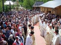 Sărbătoare la Mănăstirea Izbuc de praznicul Izvorului Tămăduirii