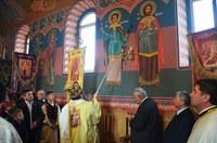 Sfințire de pictură și Liturghie arhierească în Parohia Rohani