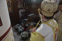 "Sfințirea clopotelor bisericii din Parohia ""Duminica Sfinților Români"" – Sânmartin ANL"