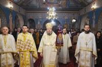 Slujire arhierescă în biserica parohiei Oradea-Ioșia II de Ziua Națională a României