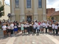 """Susținem educația! Aplaudăm performanța! Încurajăm excelența! - Biserica cu lună a premiat elevii de 10 ai Liceului Ortodox """"Episcop Roman Ciorogariu"""" din Oradea"""