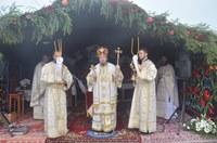 Târnosire de biserică şi Liturghie arhierească în filia Teleac