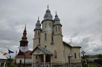 Târnosire de biserică şi Liturghie arhierească în Sânmartin de Beiuş