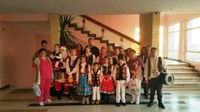 Tinerii Parohiei Brătești i-a colindat pe copiii internați la Spitalul Clinic de Copii din Oradea